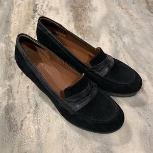NWOT Donald J Pliner black platform wedge loafers